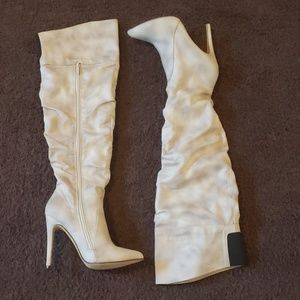 Women's Tan/Taupe Distressed Boots Size 7
